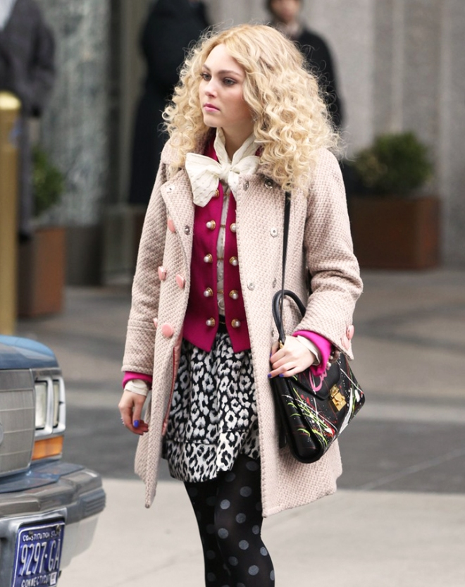 Robb films The Carrie Diaries'